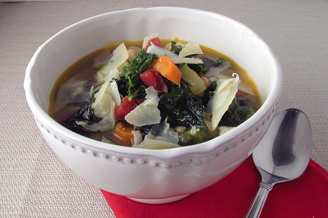Hearty Minestrone Soup - On Sugar Mountain